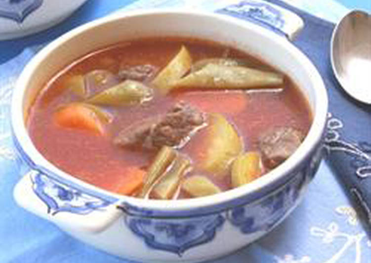 Vegetables and meat soup - shorbet khodra w lahmeh