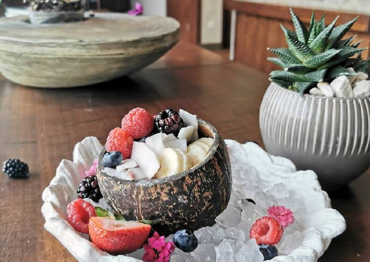 How to Make Speedy Acai Coco berry bowl