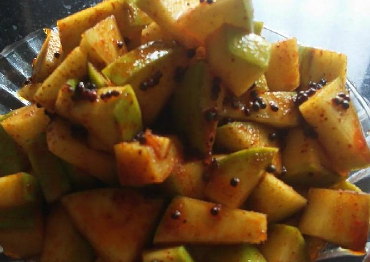 Simple Way to Make Ultimate Kairiche Karmath (Instant Mango Pickle)