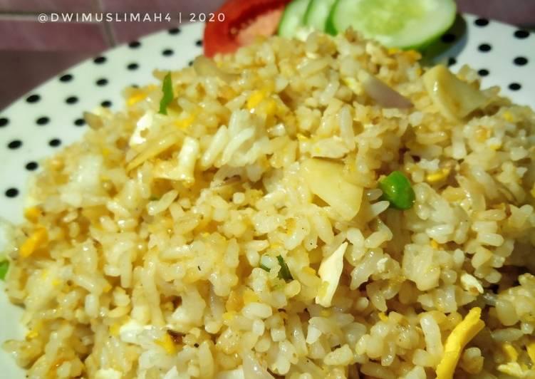 Nasi Goreng Jadul Alakadarnya Dengan Cabai Rawit
