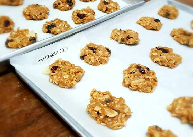 Oatmeal Raisin Cookies with Choco n Nut