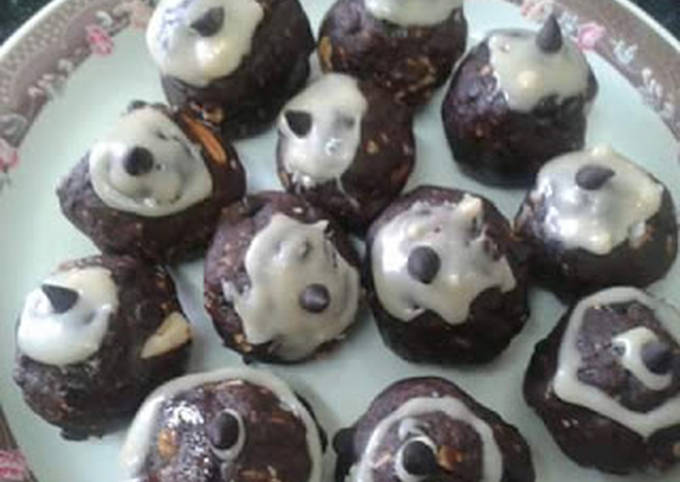 How to Make Perfect Chocolate Biscuit Balls