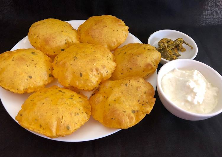 Easiest Way to Make Favorite Aloo masala puri with Italian herbs