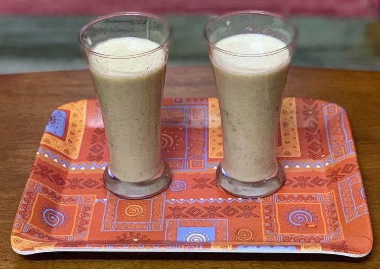 Steps to Prepare Homemade Anjeer Almond Milkshake