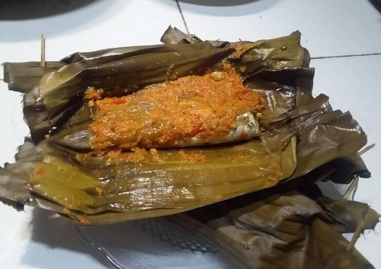 Resep Brengkes ikan pindang (Pepes) Paling Top