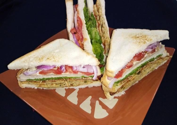 Qeema omelet sandwich