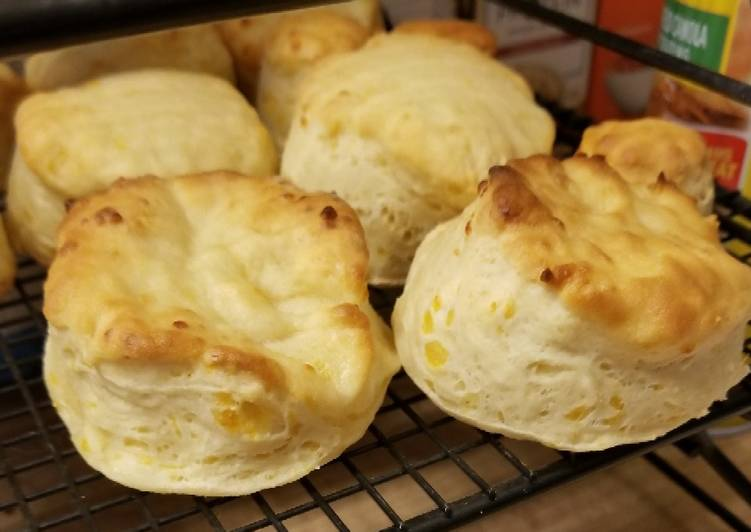 Leah's Cheddar, Garlic, Buttermilk Biscuit adapted from Good Hou