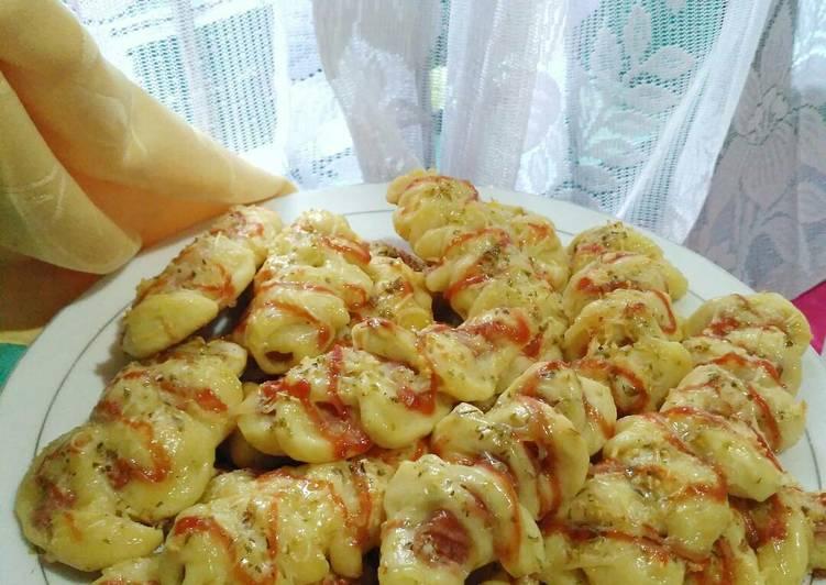 Cara mudah membuat Roti Isi Sosis (Layak Jual)