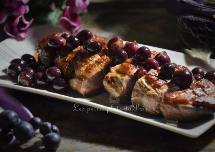 Magret de canard poêlé, au raisin noir