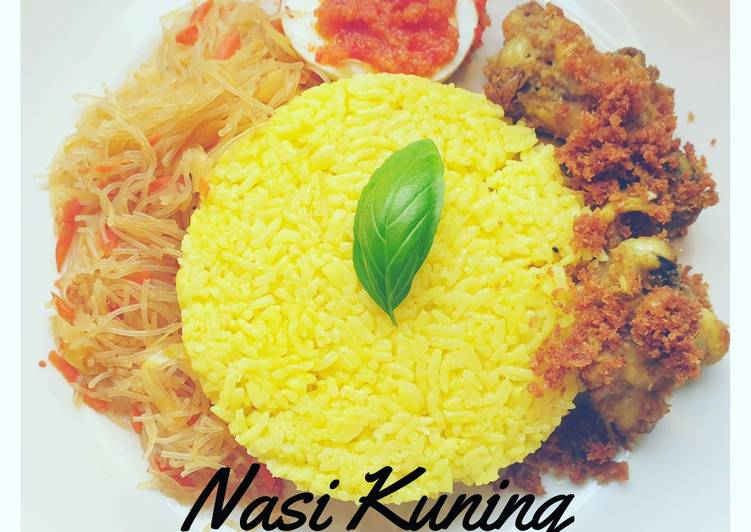 How to Make Delicious Nasi Kuning (Yellow turmeric rice)