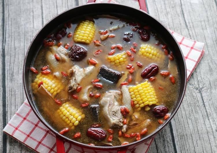 Angelica sesame oil chicken soup/ sup ayam minyak wijen