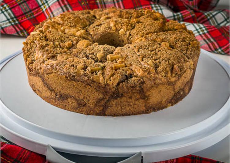 Sour cream pecan coffee cake