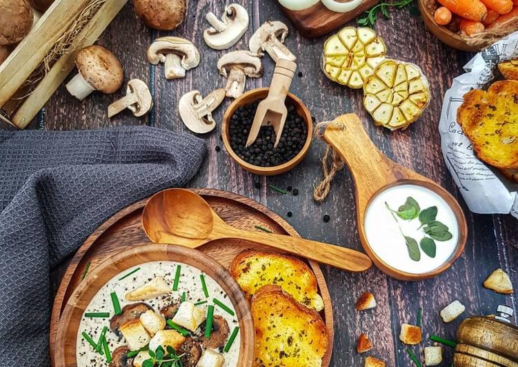 Creamy Mushroom Soup - velavinkabakery.com