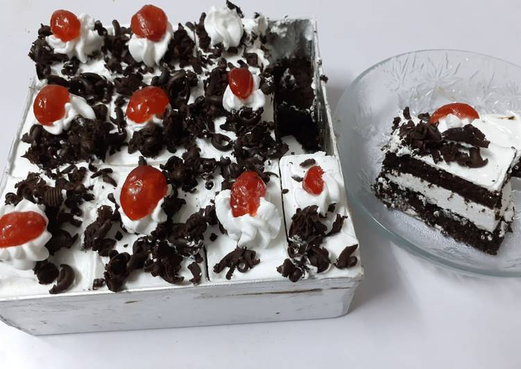 Simple Way to Prepare Top-Rated Black Forest pastry