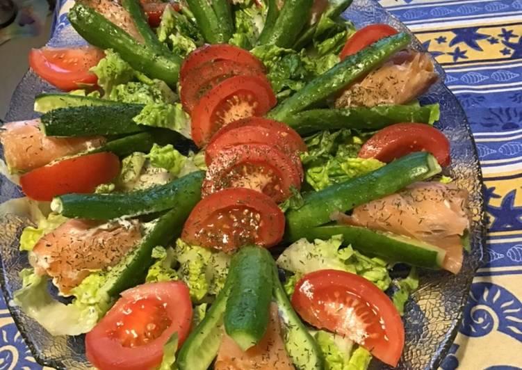 Salade de minis concombres farcis saumon tzatziki et aneth