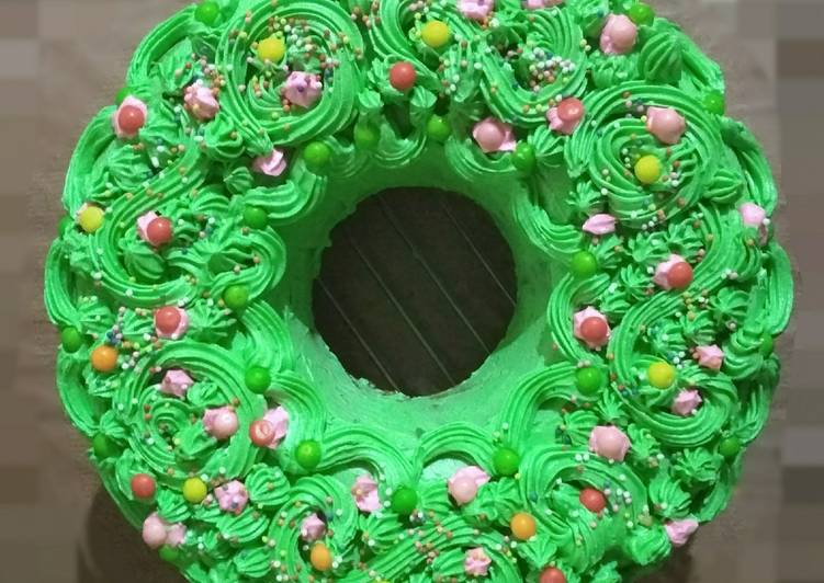 Christmas wreath cake (panggang teflon n buttercream simpel 😉)