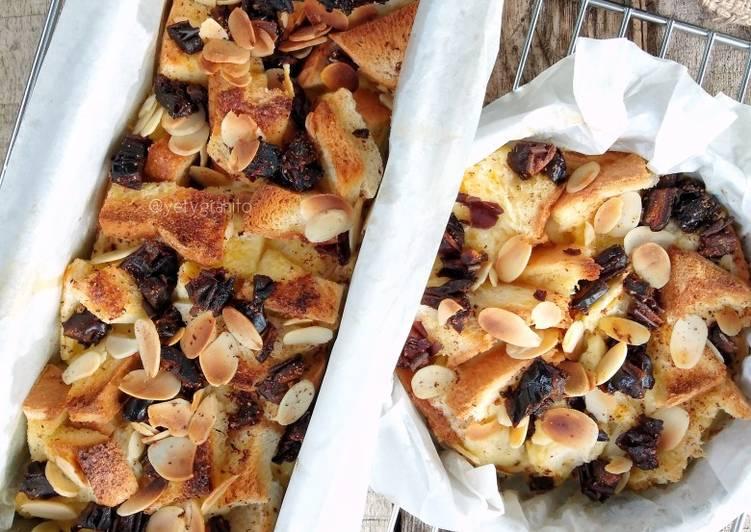 Puding roti tawar (panggang)