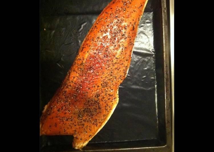 Saumon sauvage fumé au poivre
