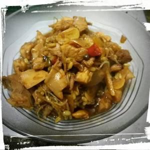 Oseng Ayam Taoge