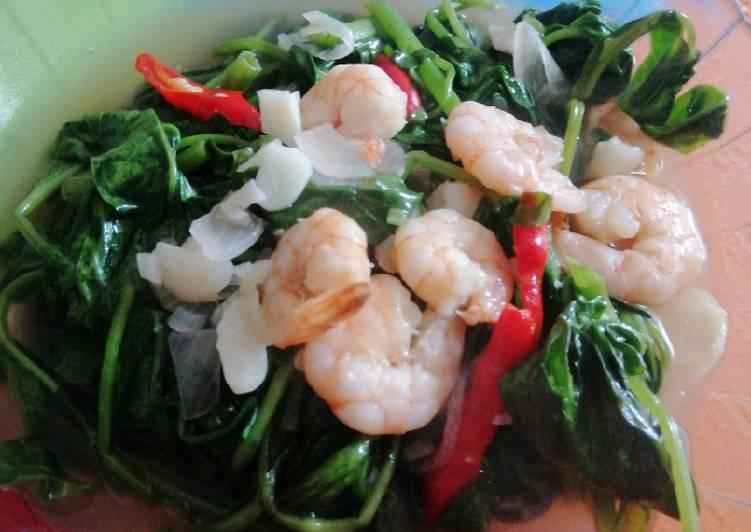 Tumis kangkung seafood
