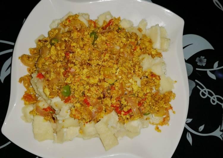 Eggs sauce /white yam