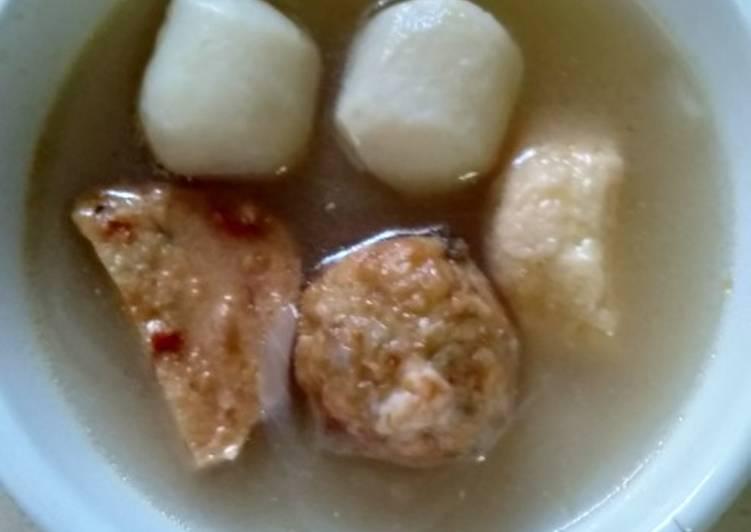 Soup fish balls