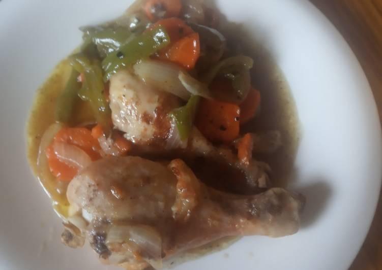 Receta fácil: Delicioso Pollo al horno con verduras