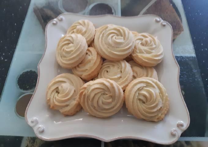 Biscuit rose