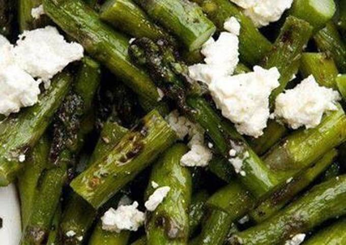 #salads# Roast asparagus with goat cheese