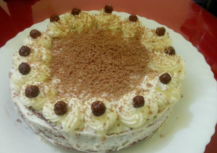 Chocolate cake with whipping cream