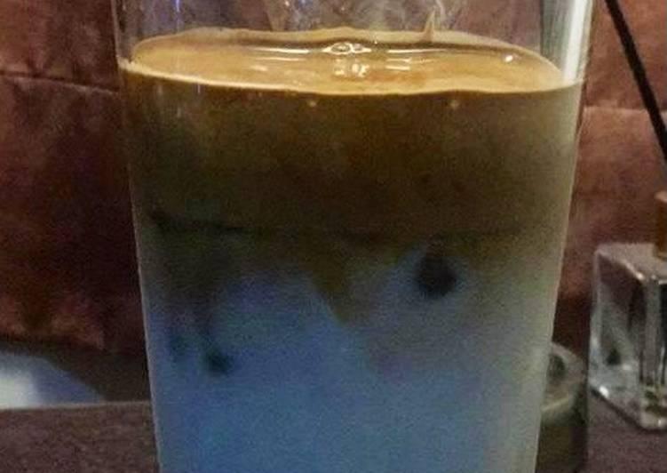 Brown sugar dalgona coffee (no mixer no whisk)