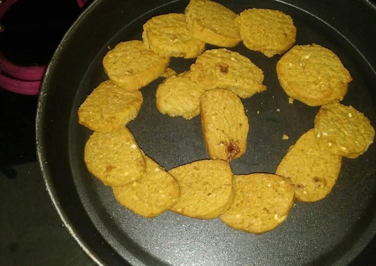 ओट्स आटा बिस्कुट (Oats aata biscuit recipe in hindi)