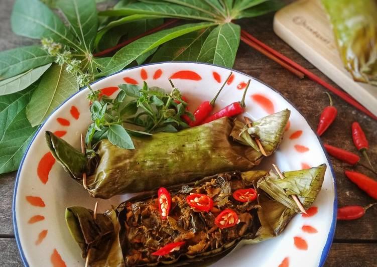 Pepes Ikan Woku Daun Singkong Pedas