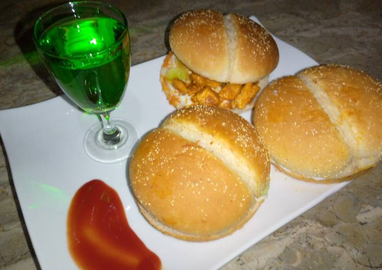 Bbq spicy chicken burger