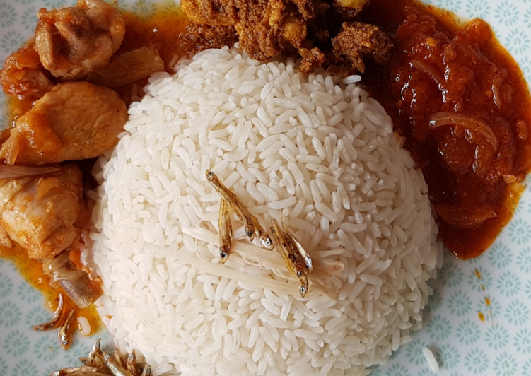 Step-by-Step Guide to Prepare Quick Nasi Lemak (coconut milk rice, chicken gravy and fried chicken)