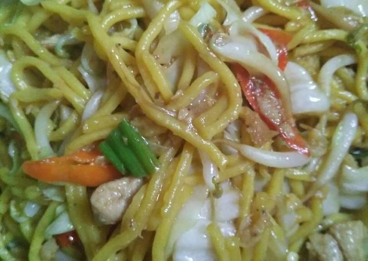 Resep Mie Kuning Basah Goreng Oleh Rhya Rafa Cookpad