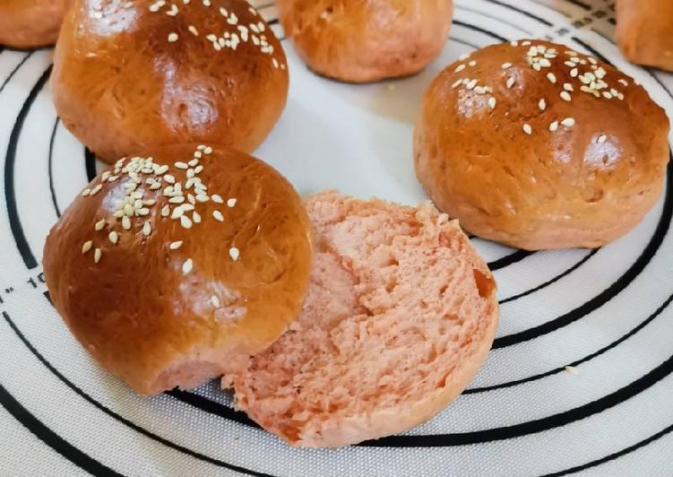 Pink burger bun dari beet powder, pattiserie