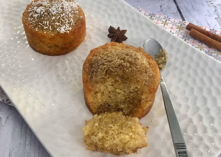 Basboussa ou besboussa / gâteau de semoule au sirop