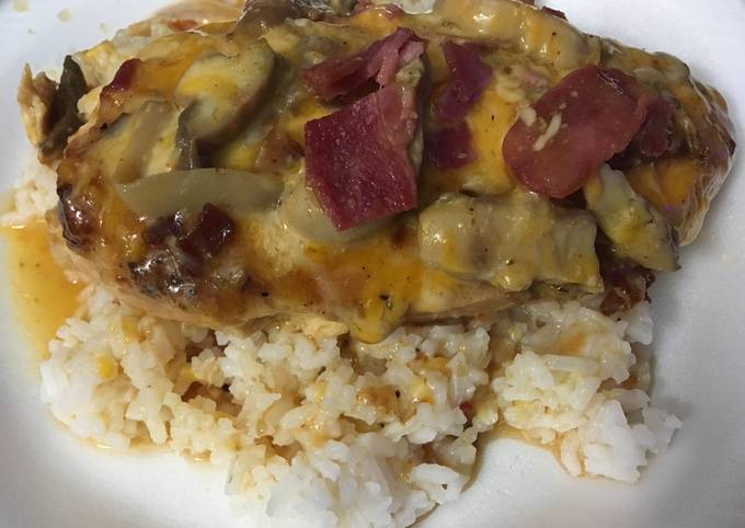 Crockpot Bacon 🥓 & Mushroom 🍄 Chicken 🐔