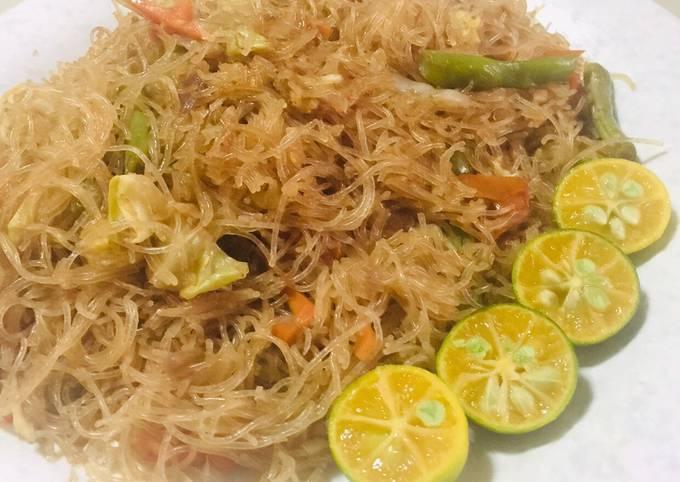 Simple Recipe Filipino Pancit Bihon Guisado Vermicelli Noodles Stir Fry