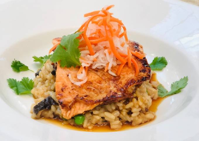 Recipe: Appetizing Bahn-Mi Glazed Salmon with Pho Broth Risotto