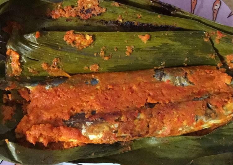 Resep Pepes Ikan Pindang oleh Salbiyla Azzara - Cookpad