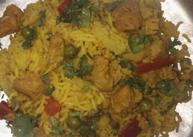 Recipe of Super Quick Homemade Mix veg and nutrela chunks briyani