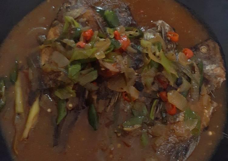 Ikan Mujair Saus Padang