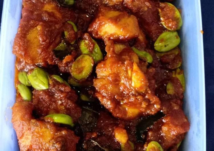Semur Ayam + petai saus tiram pedas manis (kedai oppa jengkol)