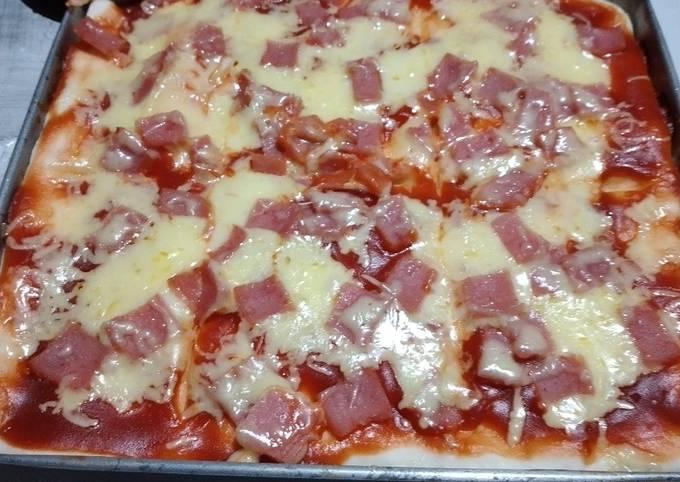 No Yeast Ham and Cheese Pizza