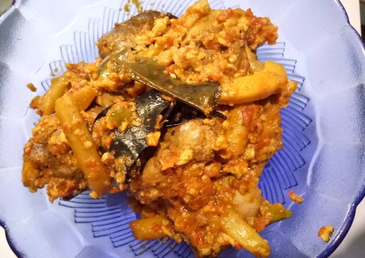 Balado ati ampela with cumi saus tahu
