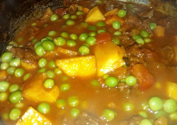 Green peas beef curry