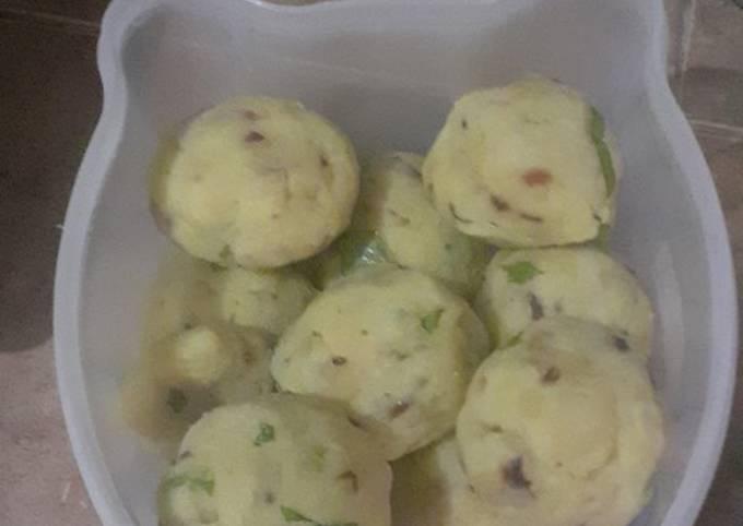 Perkedel kentang isi telur puyuh