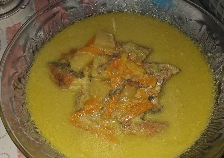Gulai hijau ikan nila